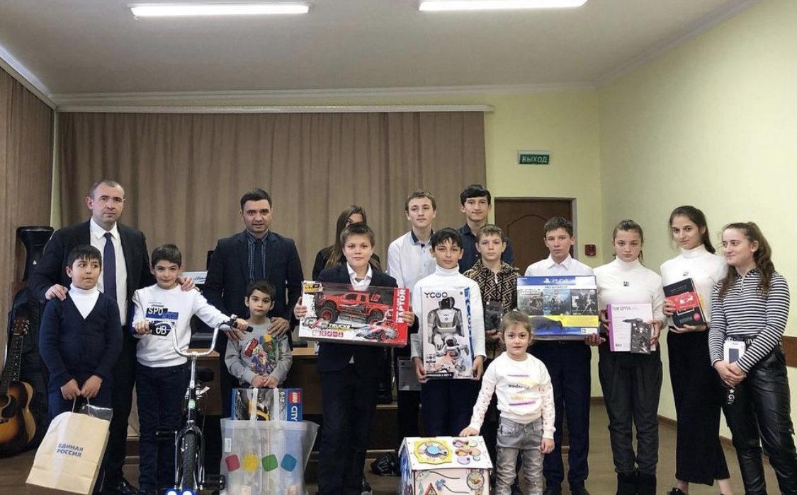 Мечты воспитанников детского дома «Хуры тын» исполнили депутаты от «Единой России»