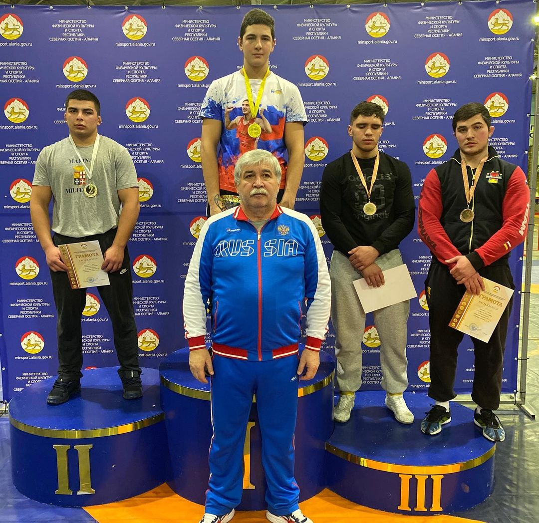 Во Владикавказе определились победители первенства республики по вольной борьбе среди юниоров