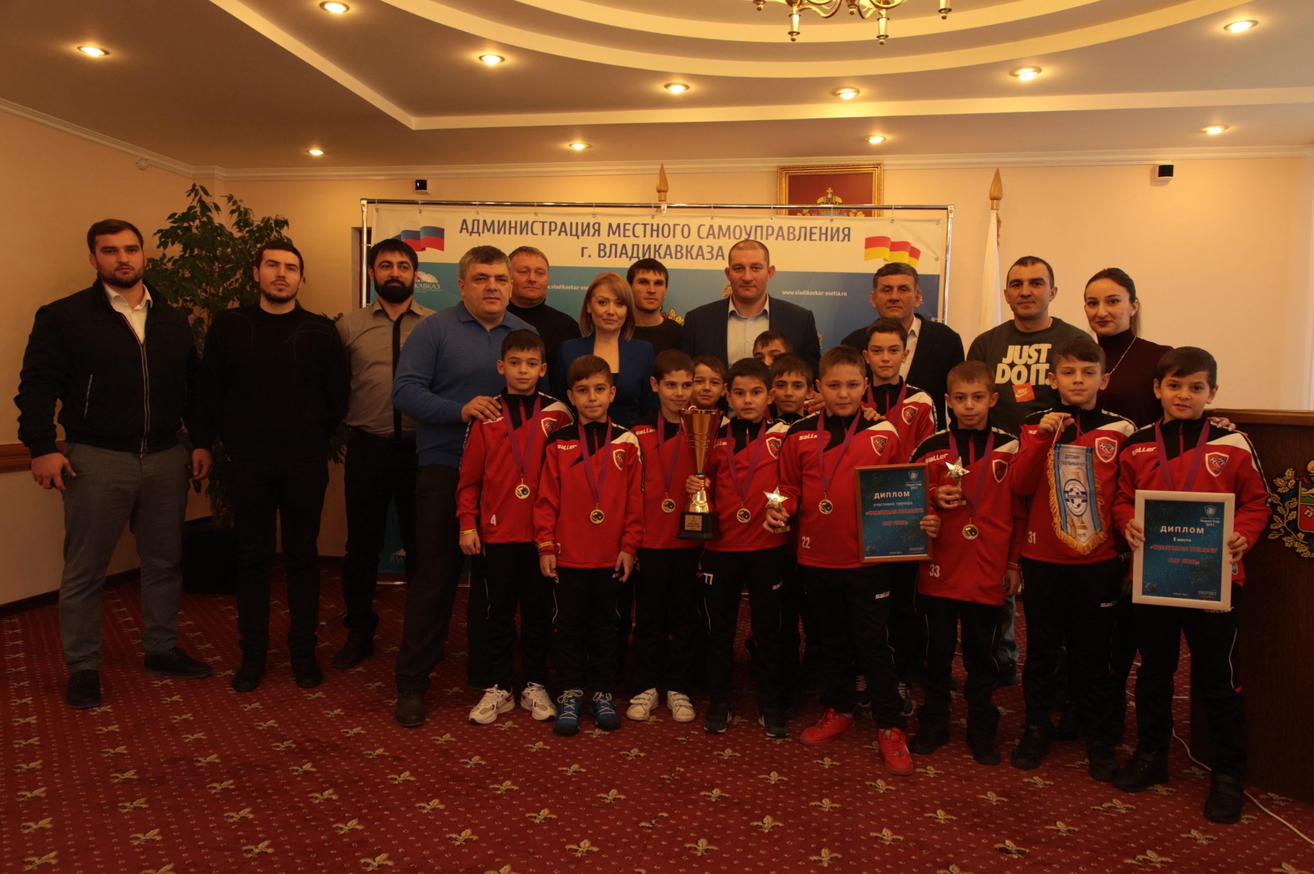 ФК «Барс» занял первое место на турнире Christmas Holidays Cup 2021