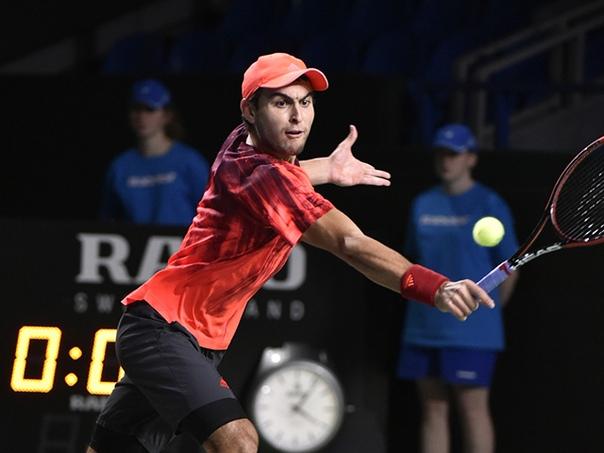 Теннисист Аслан Карацев вышел в первый круг основного турнира Australian Open