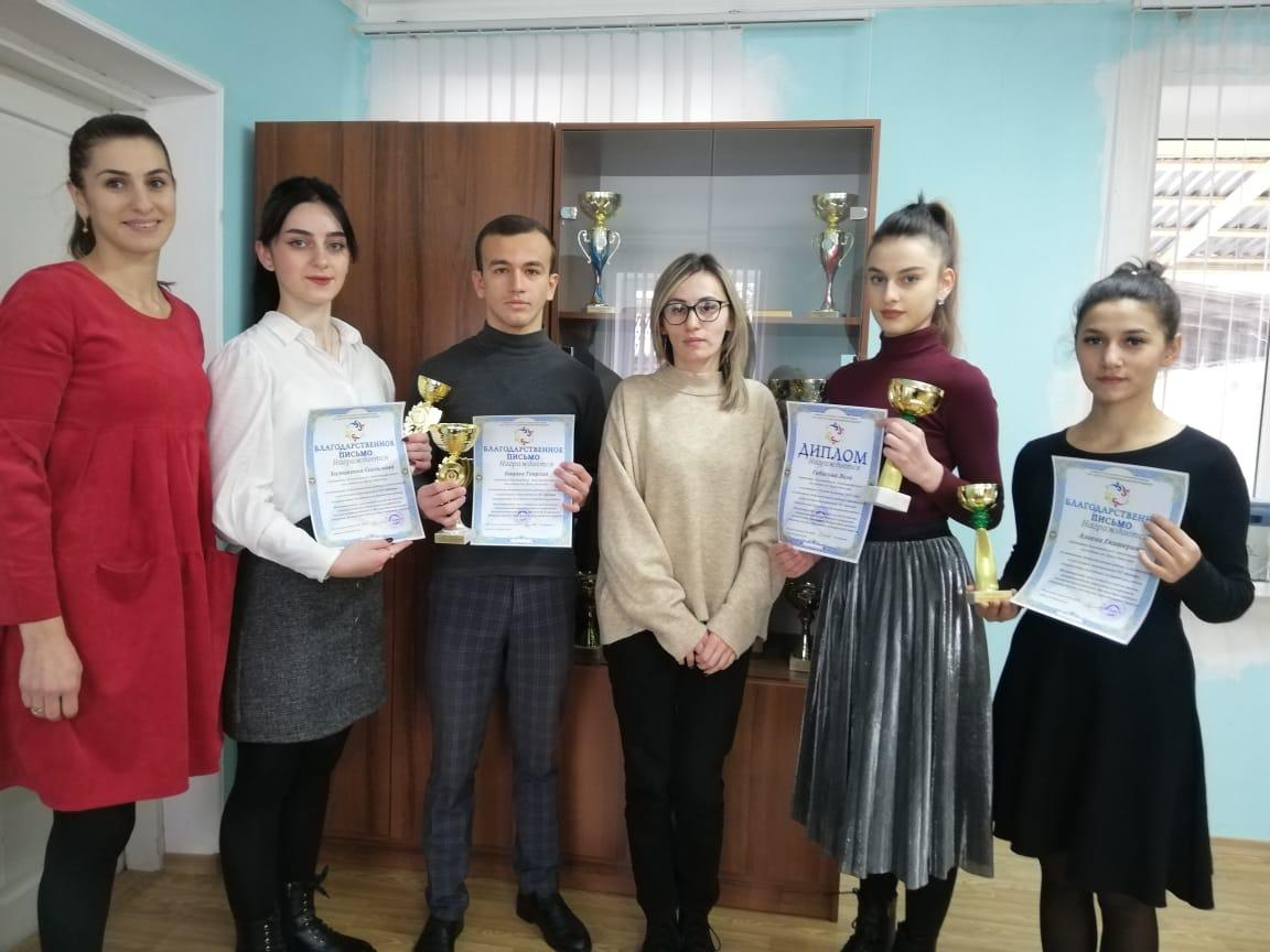 Волонтеров Эльхотовского многопрофильного колледжа наградили по итогам 2020 года