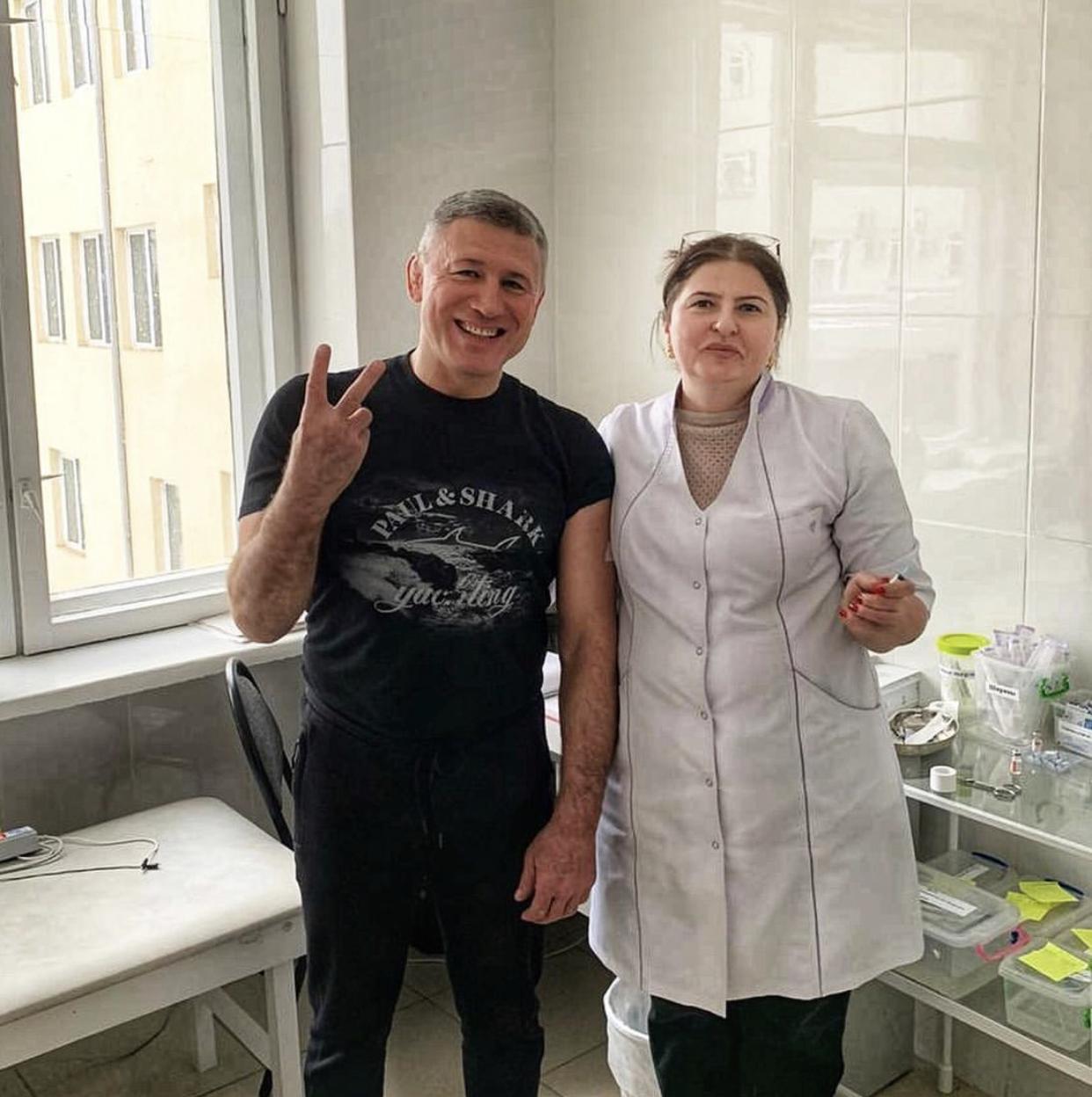 Рустем Келехсаев получил второй компонент вакцины «Спутник-V»