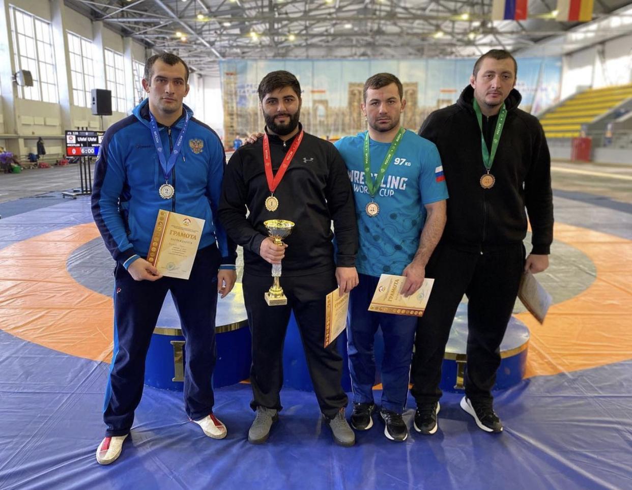 Сборная Северной Осетии завоевала 13 медалей на чемпионате СКФО по вольной борьбе