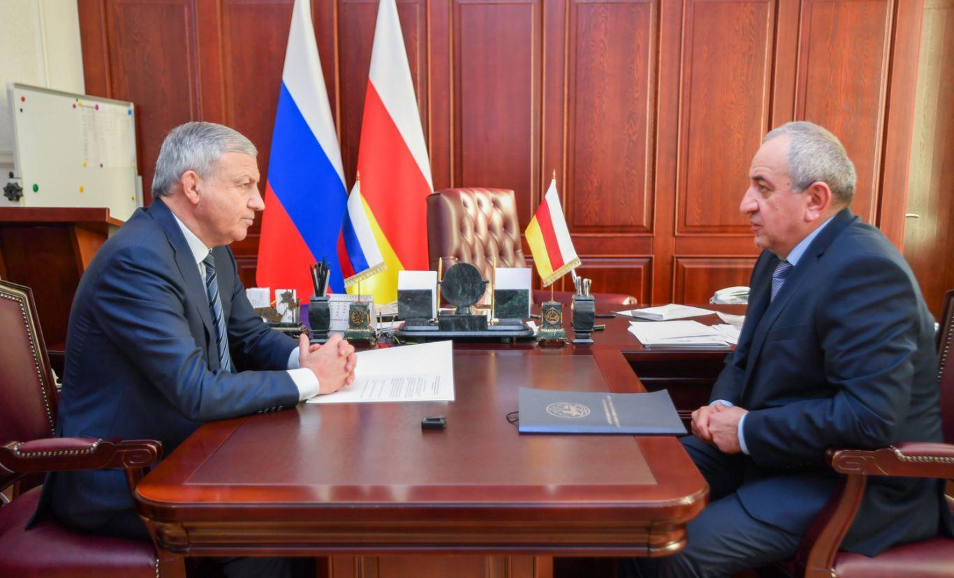 Вячеслав Битаров и Инал Калицов обсудили приоритетные задачи Контрольно-счетной палаты республики