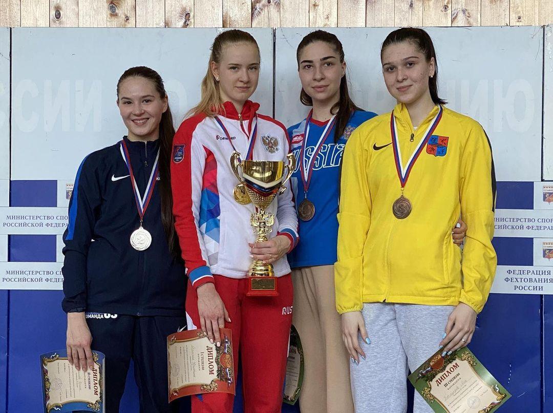 Марина Кесаева и Яна Бекмурзова стали призерами Всероссийских соревнований по фехтованию