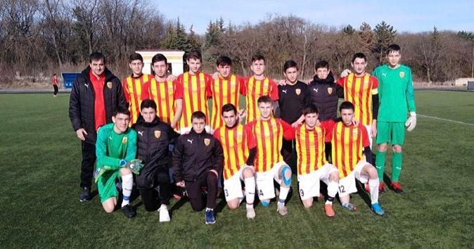 Воспитанники академии футбола «Алания» успешно дебютировали в первенстве России