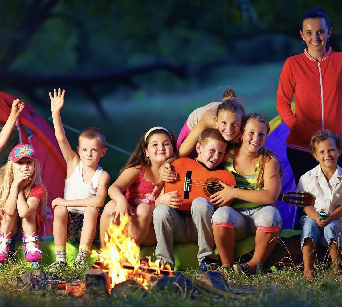 Роспотребнадзор разрешил детям отдыхать в лагерях за пределами регионов проживания