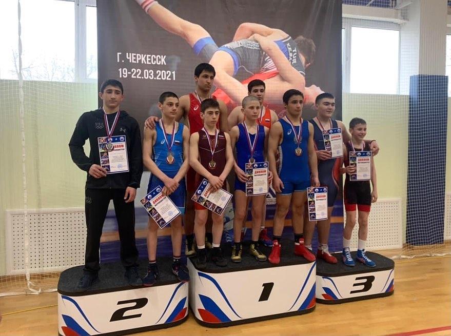 Валиев, Тедеев и Кулов стали победителями первенства СКФО по греко-римской борьбе