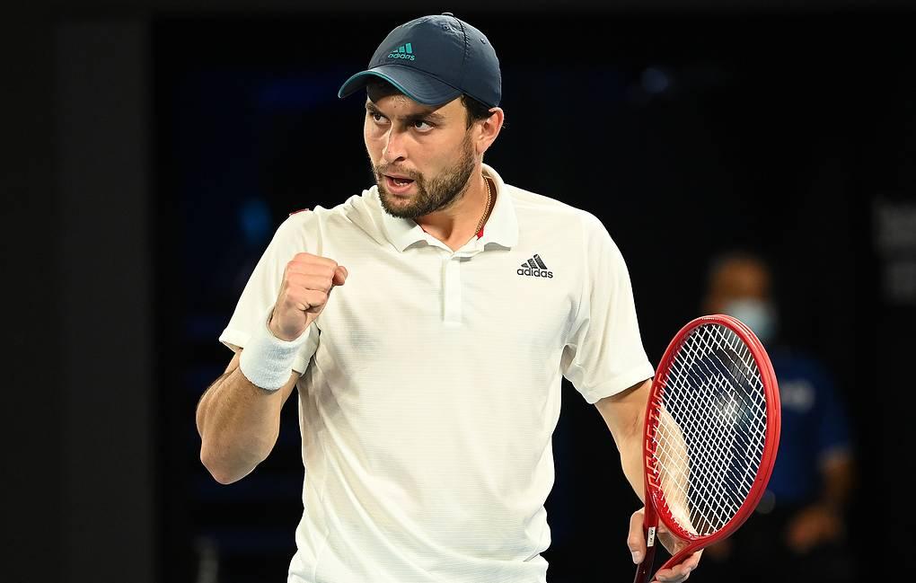 Аслан Карацев обыграл белоруса Егора Герасимова в первом круге теннисного турнира в Дубае