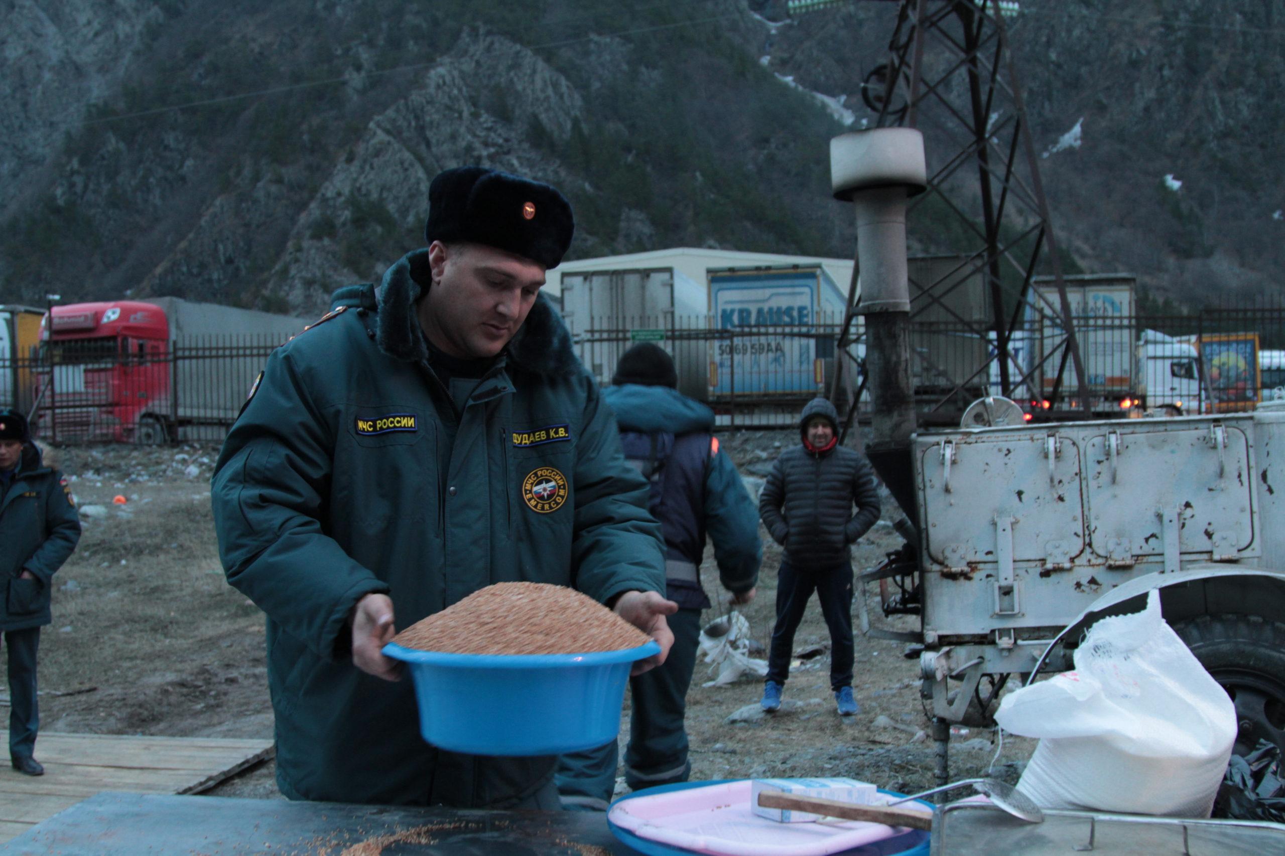 Водителей большегрузов будут обеспечивать горячим питанием ежедневно до открытия ВГД