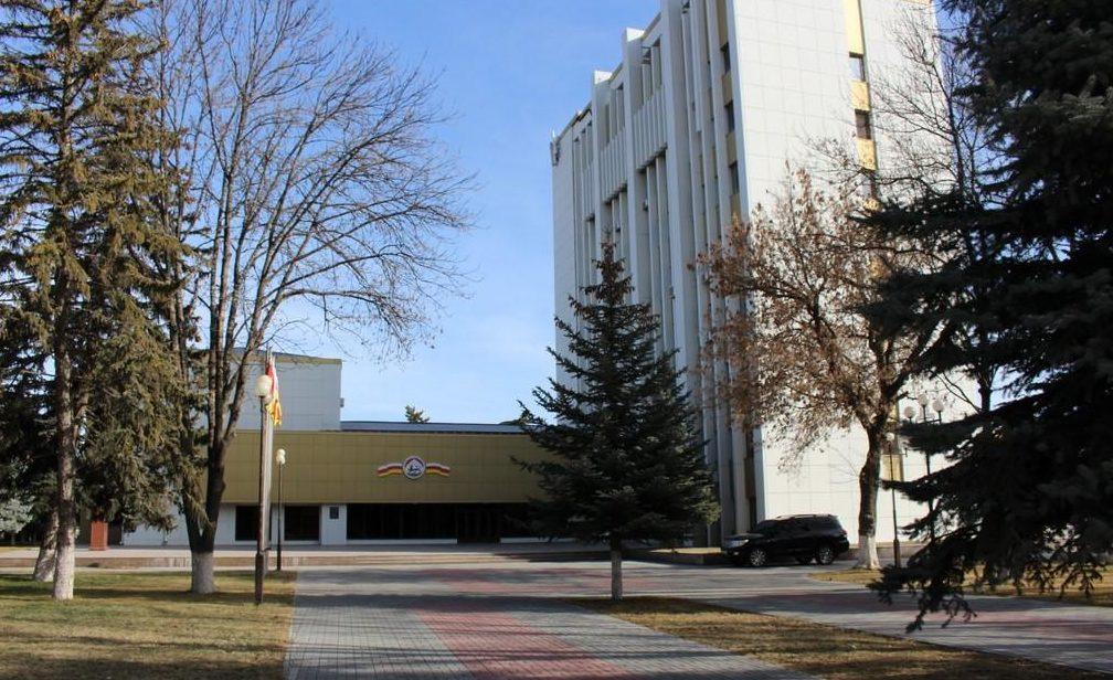Президент Южной Осетии назначил 10 членов нового кабмина