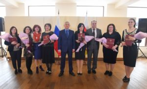 Победители конкурса «Лучший врач Северной Осетии» получили квартиры