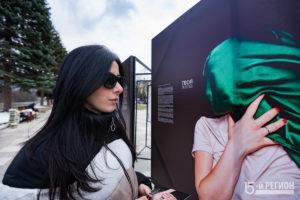 """""""Вы вообще люди"""": уличная фотовыставка на тему домашнего насилия"""