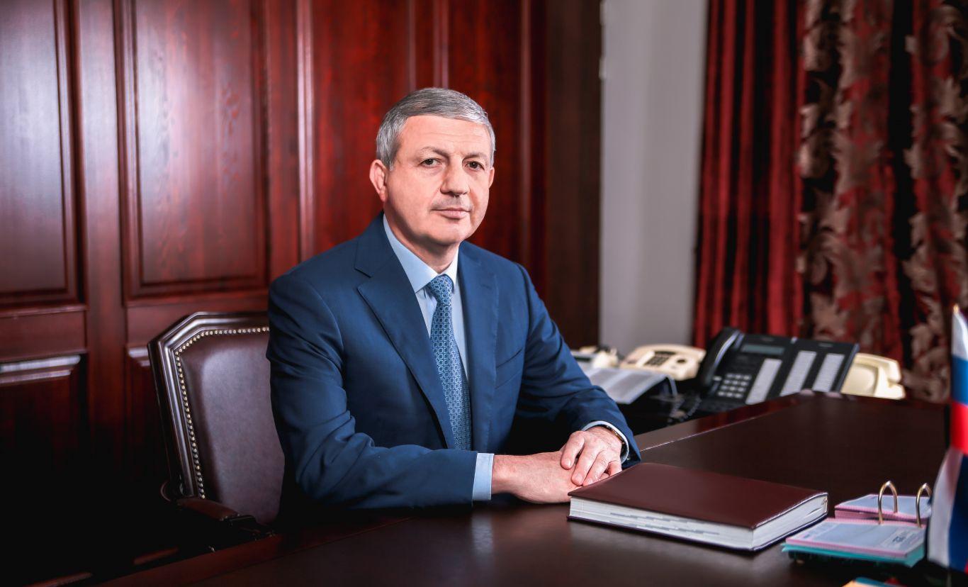 Вячеслав Битаров поздравил работников сферы культуры с профессиональным праздником