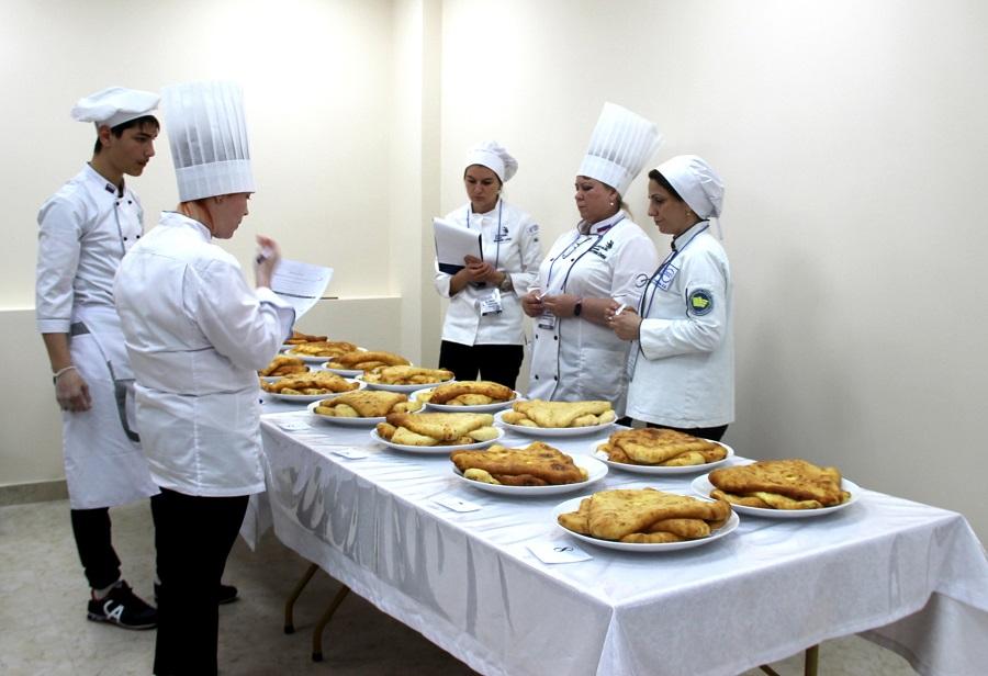 В Северной Осетии продолжаются соревнования за звание лучшего пекаря осетинских пирогов
