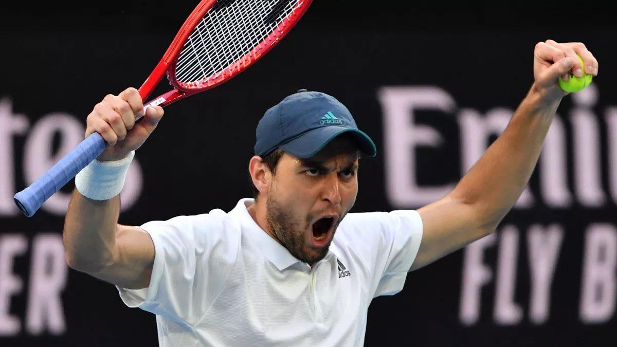 Аслан Карацев сенсационно обыграл первую ракетку мира Новака Джоковича и вышел в финал