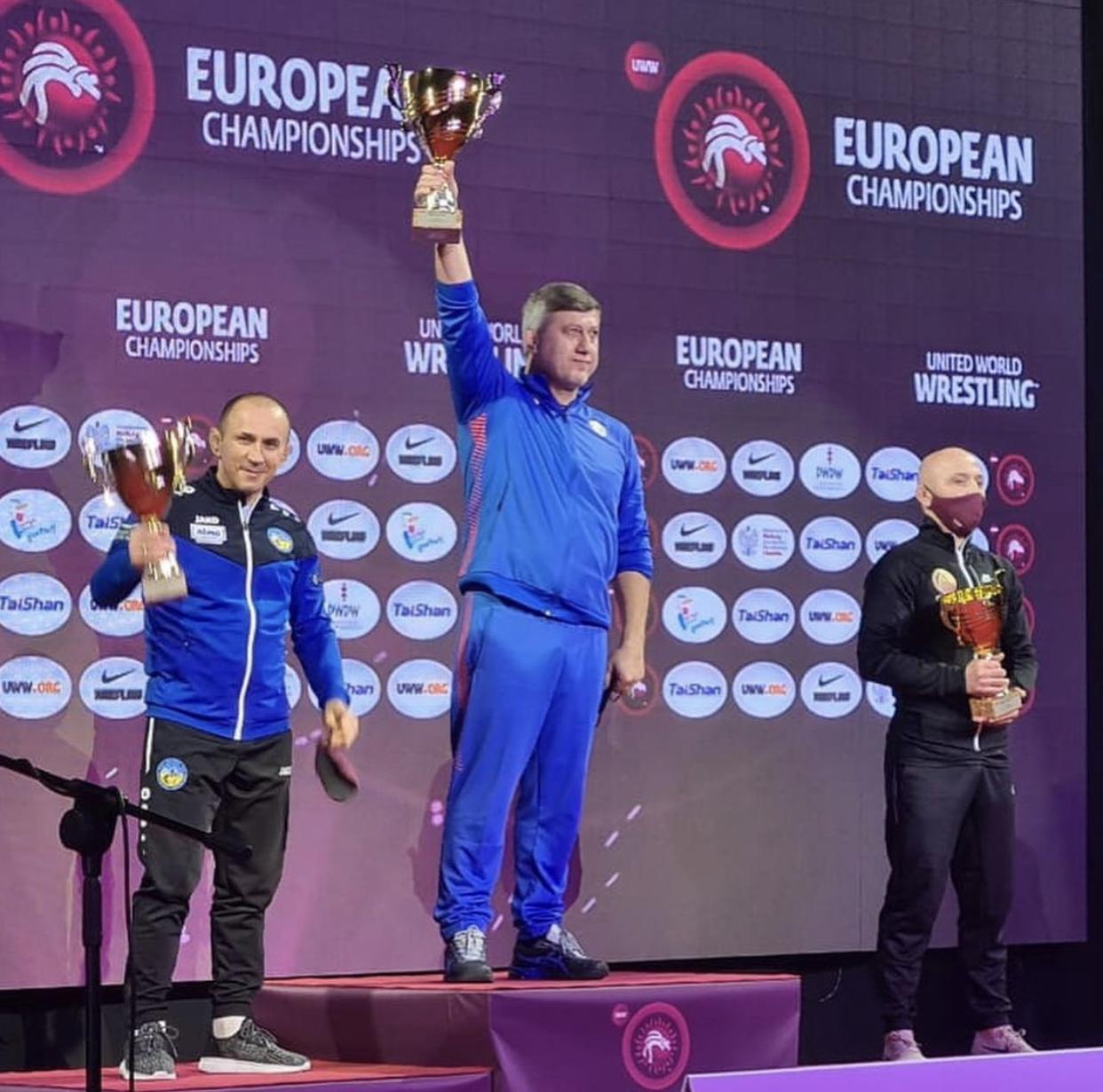 Сборная России по вольной борьбе победила в общекомандном зачете чемпионата Европы