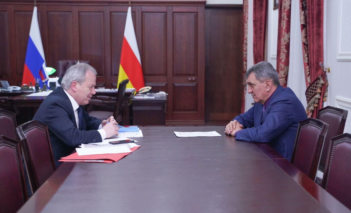 Сергей Меняйло провел рабочую встречу с Эльбрусом Кубаловым