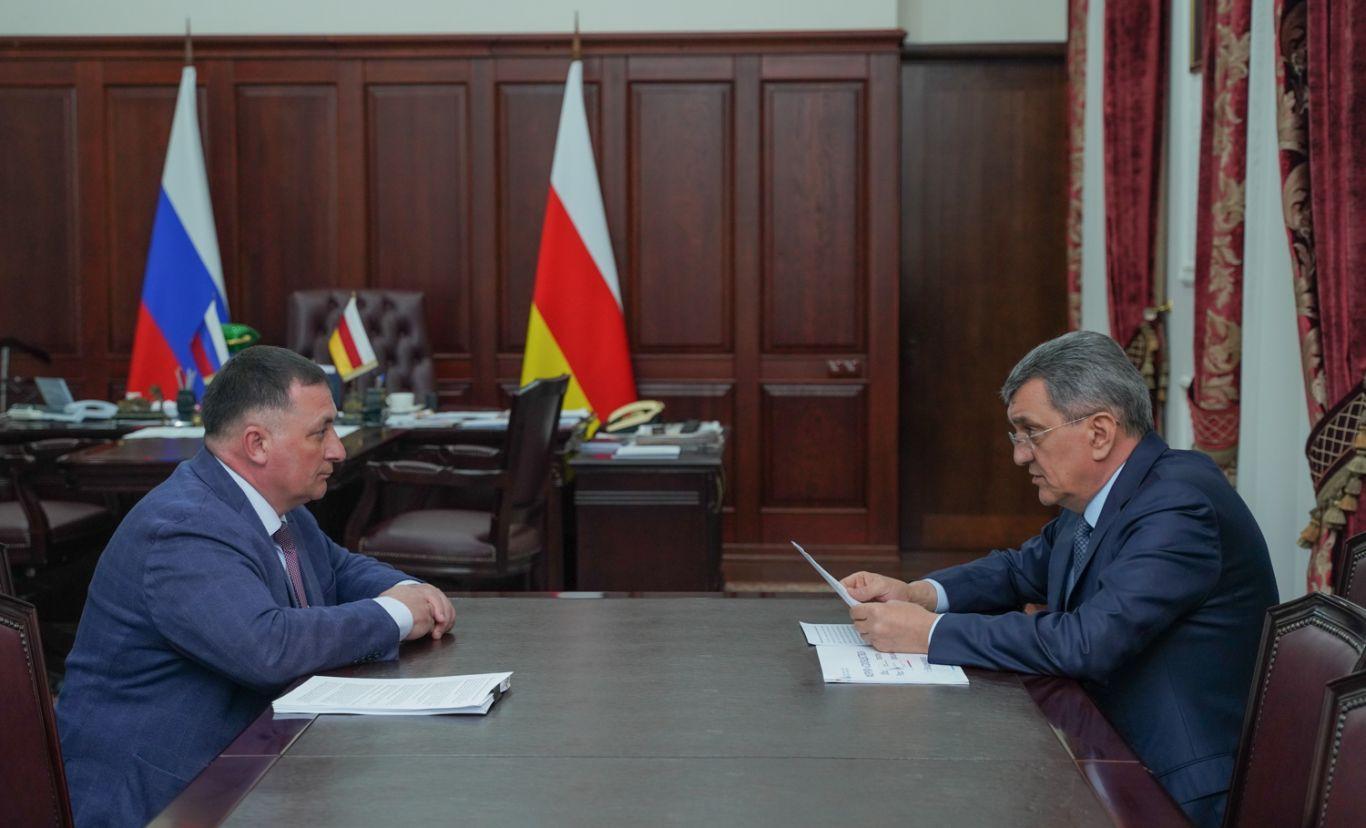 Сергей Меняйло провел рабочую встречу с Тариэлем Солиевым