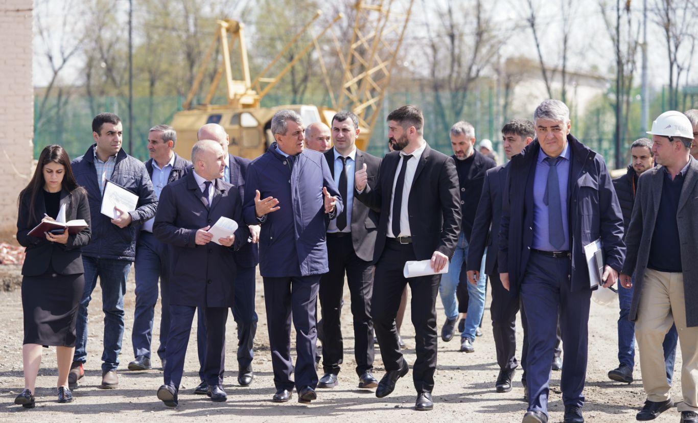 Сергей Меняйло проинспектировал ход реконструкции стадиона «Спартак»