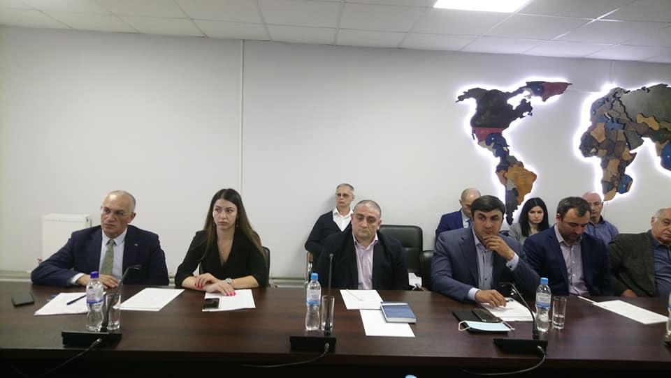 Во Владикавказе обсудили взаимодействие власти и бизнеса