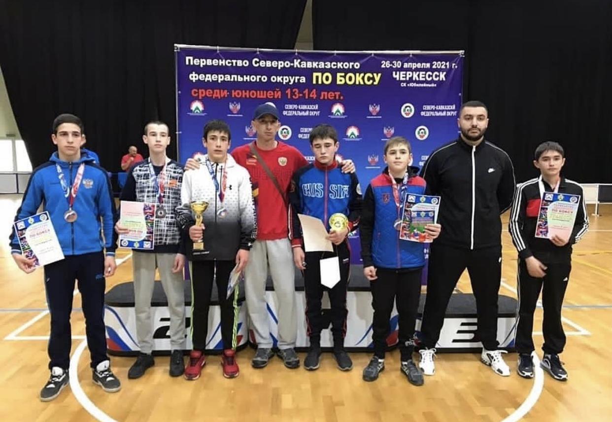 Шесть медалей завоевали осетинские боксеры на первенстве СКФО среди юношей