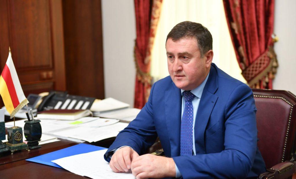 Батраз Хидиров покидает свой пост
