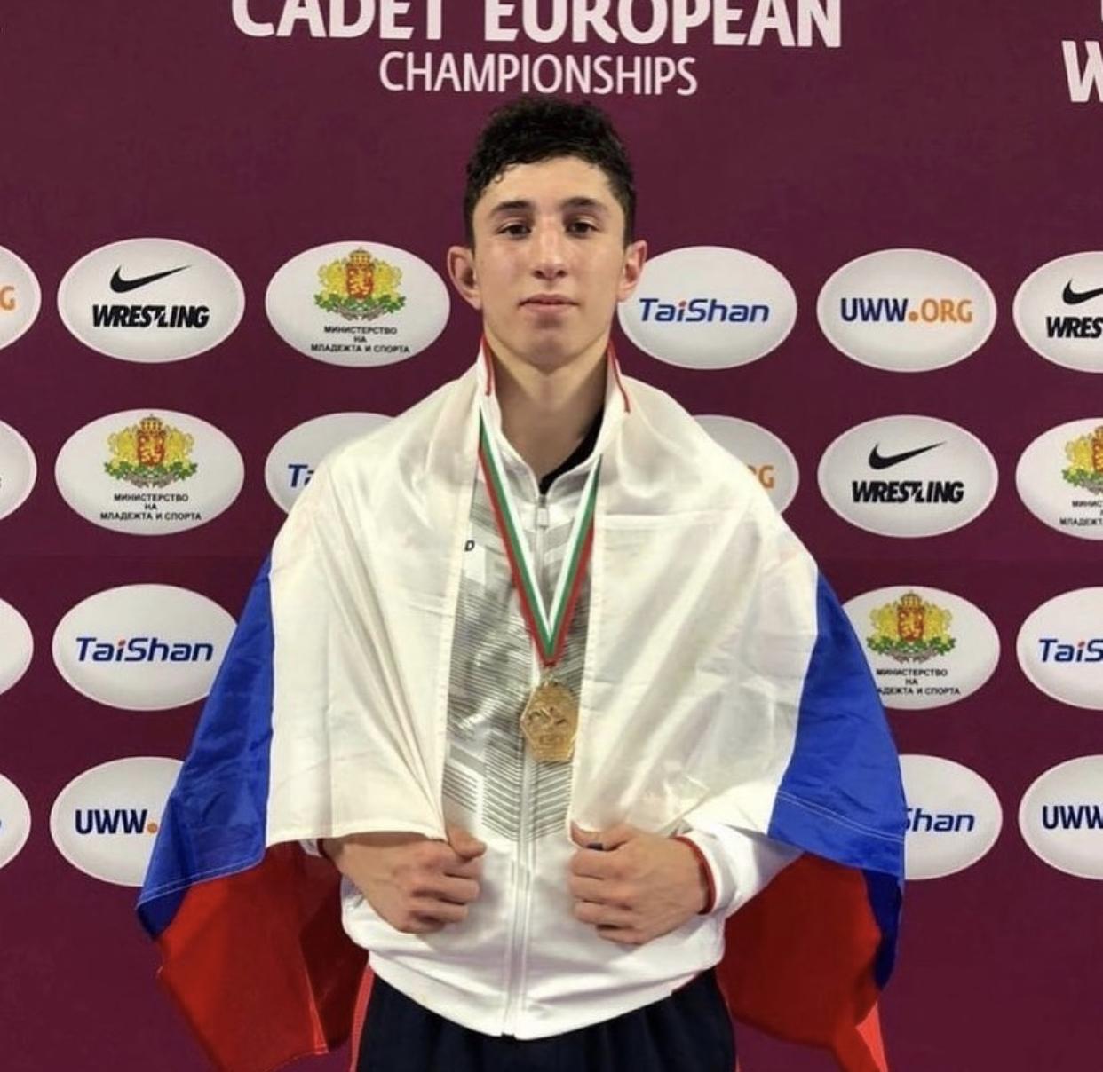 Марат Фадзаев победил на первенстве Европы по вольной борьбе среди юношей