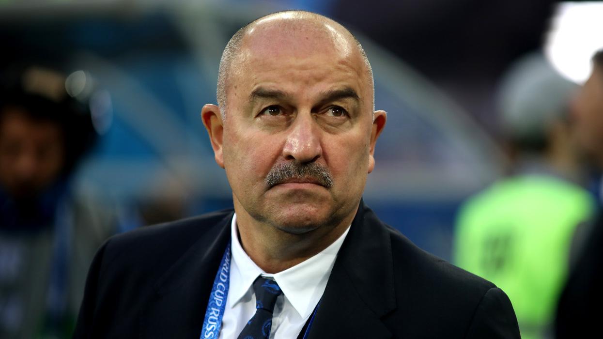 Черчесов надеется, что Россия договорится с Данией о допуске болельщиков на матч Евро