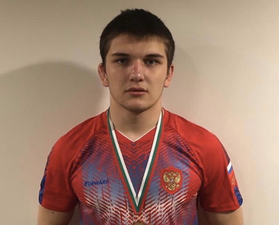 Кантемир Суанов завоевал золотую медаль первенства Европы по вольной борьбе среди юношей