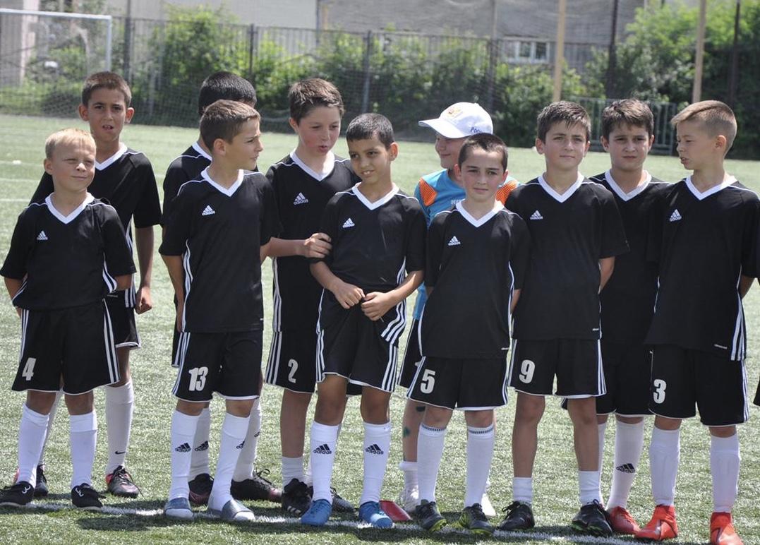 фото Во Владикавказе стартовал турнир юных футболистов «Кожаный мяч»