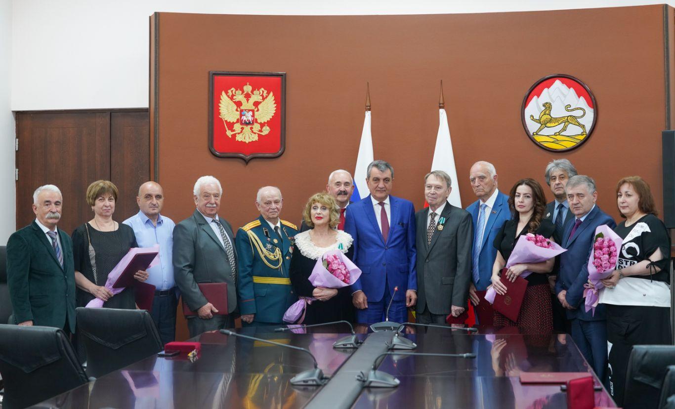 В Северной Осетии вручили госнаграды представителям различных сфер