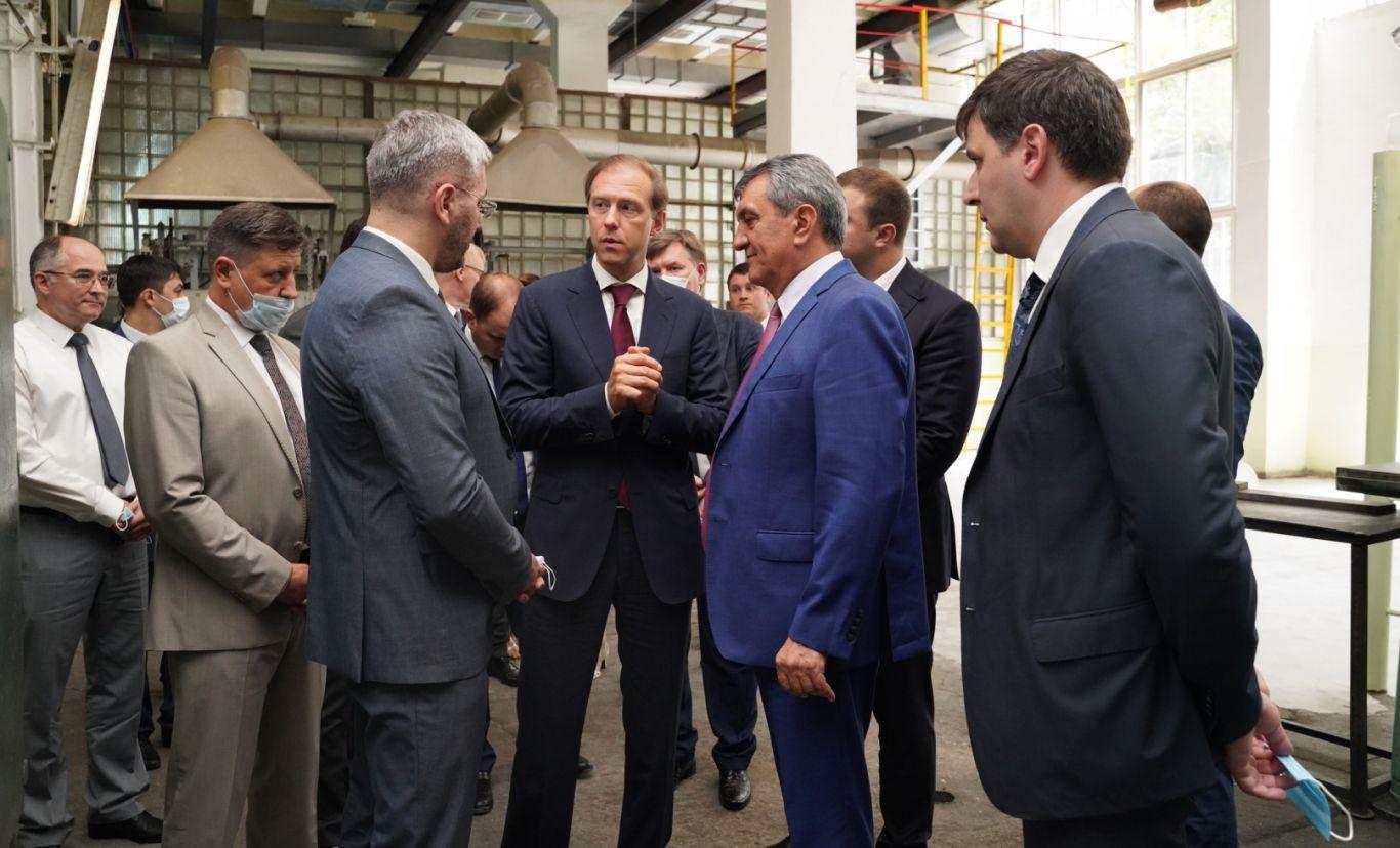 У Северной Осетии есть хороший потенциал по широкому сектору отраслей промышленности – Денис Мантуров