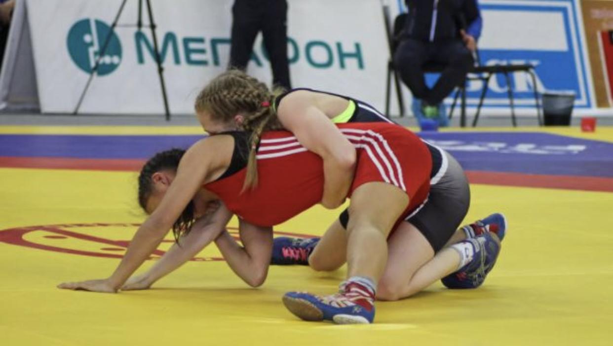 Алина Касабиева выиграла первенство Европы по спортивной борьбе