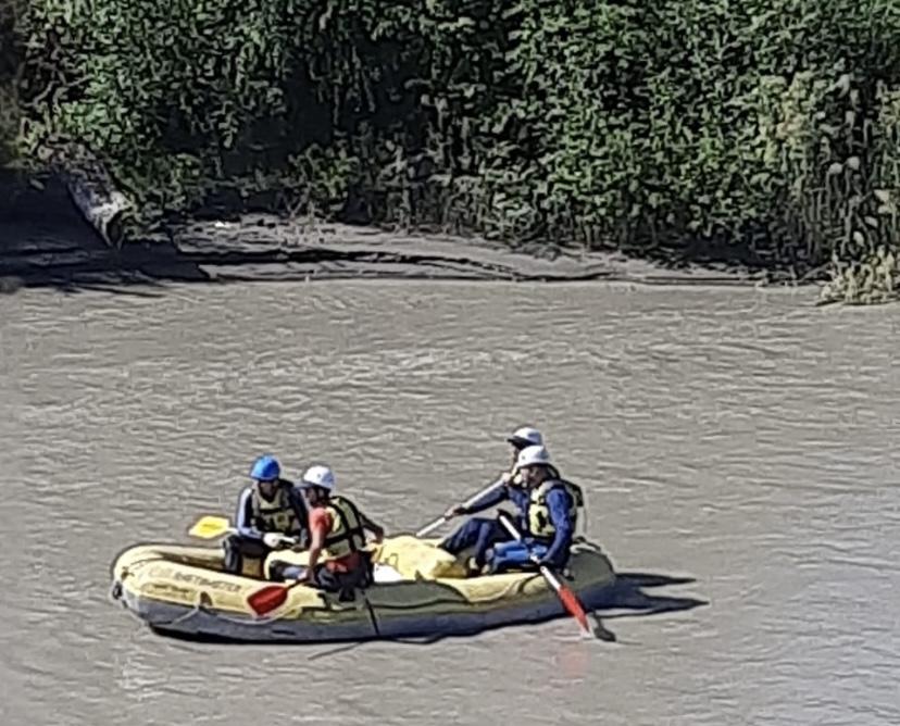 Спасатели продолжают поиски утонувшего в Тереке 17-летнего молодого человека