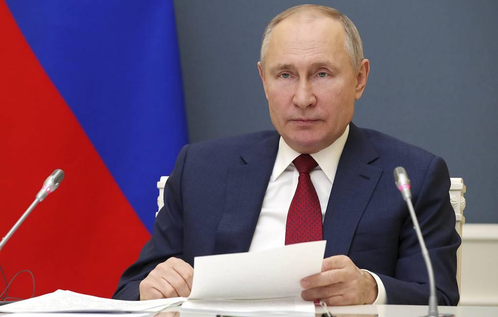 Президент подписал указ о единовременной выплате семьям с детьми по 10 тыс. рублей