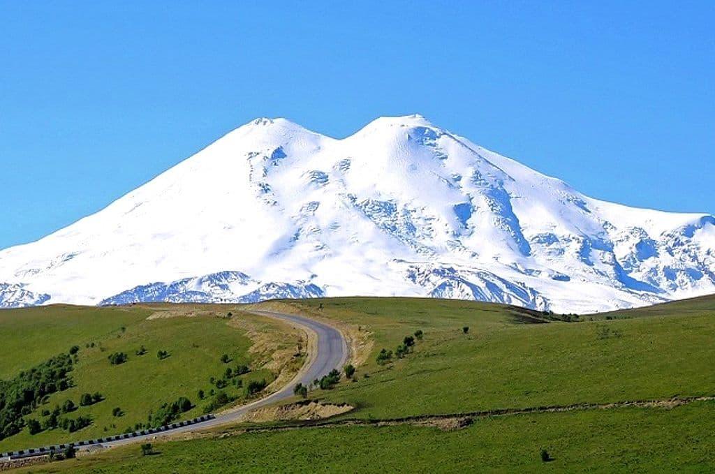 Альпинисты планируют восхождение на Эльбрус в честь 100-летия со дня основания селения Ногир