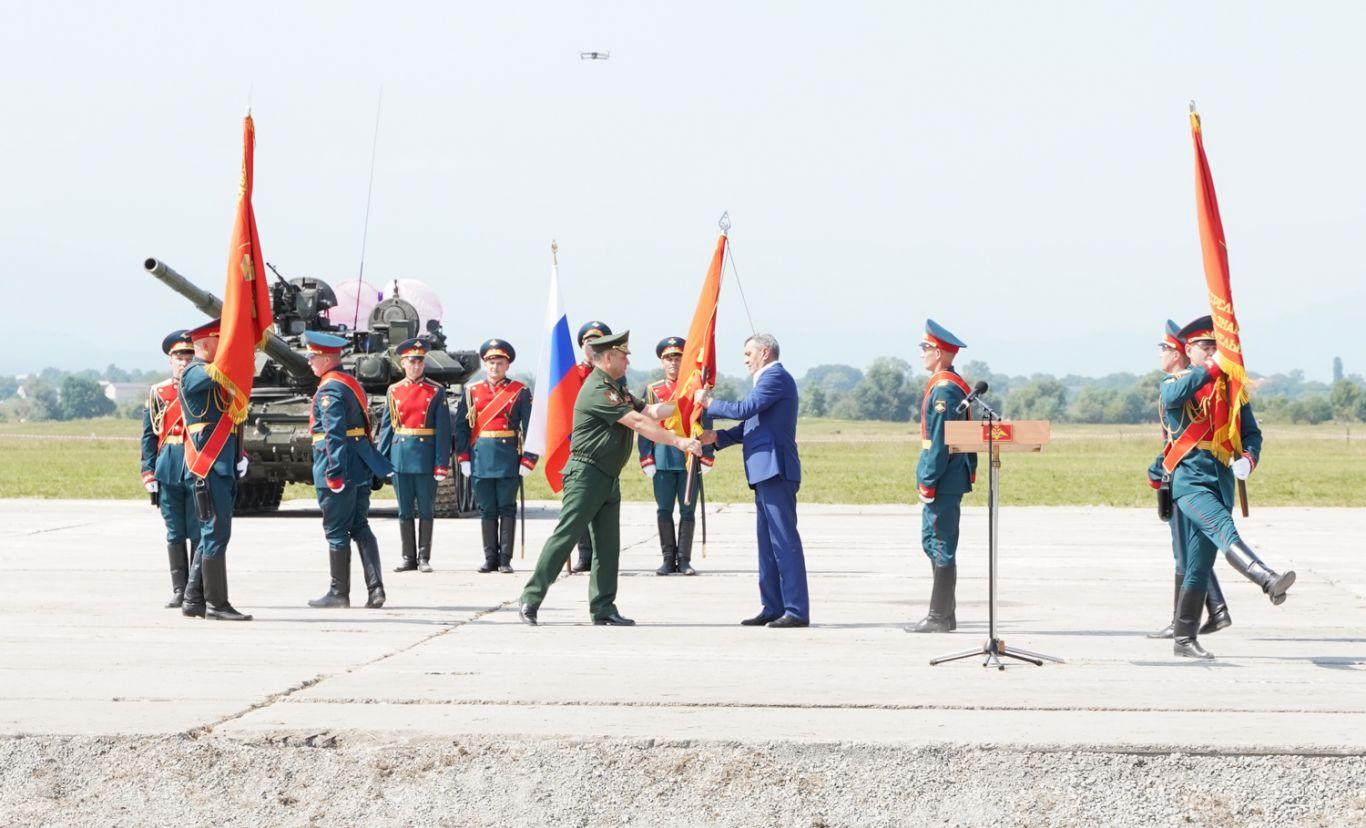 Северной Осетии переданы на хранение исторические боевые знамена