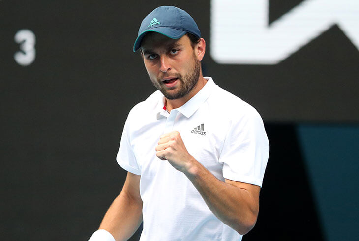 Карацев в пяти сетах одержал волевую победу над Томпсоном на US Open