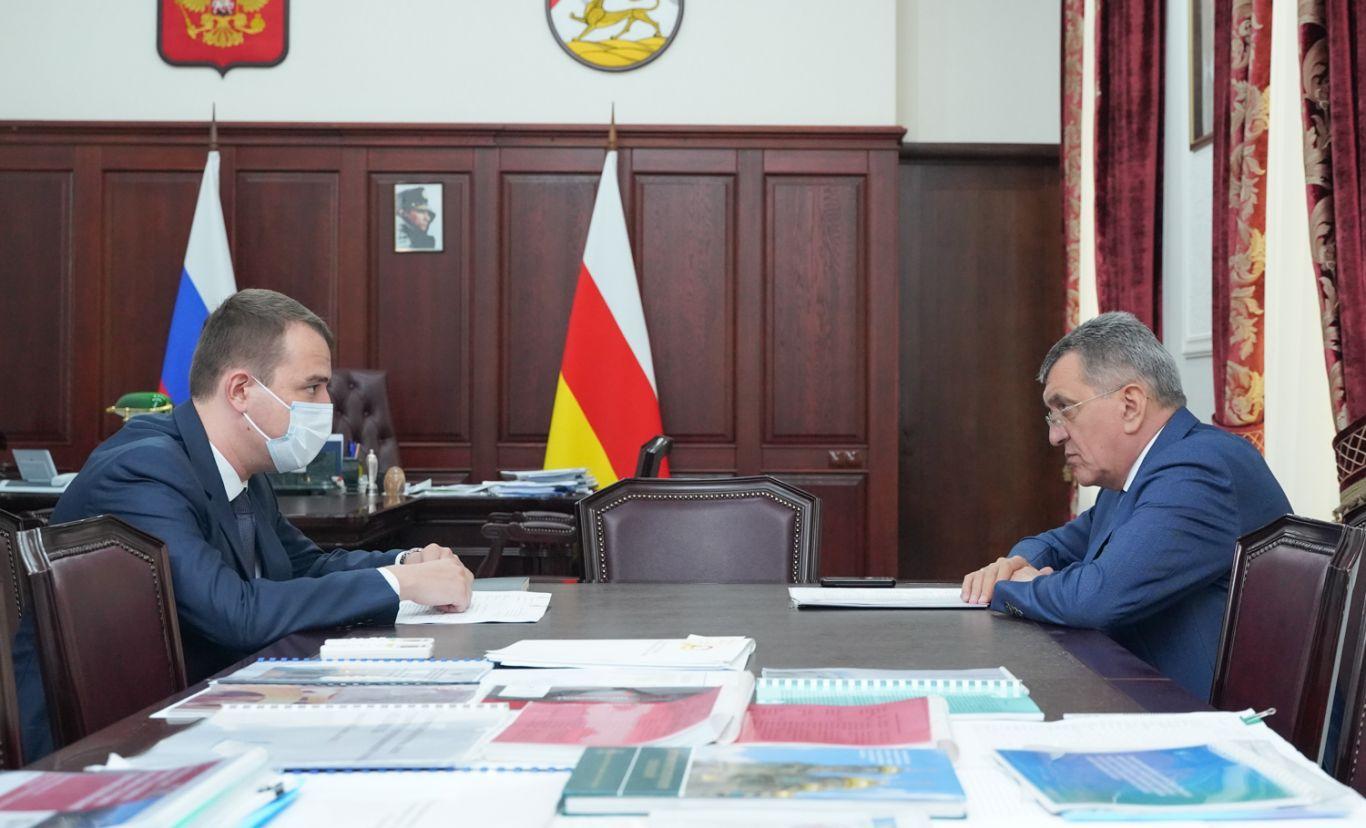 Сергей Меняйло и бизнес-омбудсмен Тимур Медоев обсудили проблемы предпринимательского сообщества