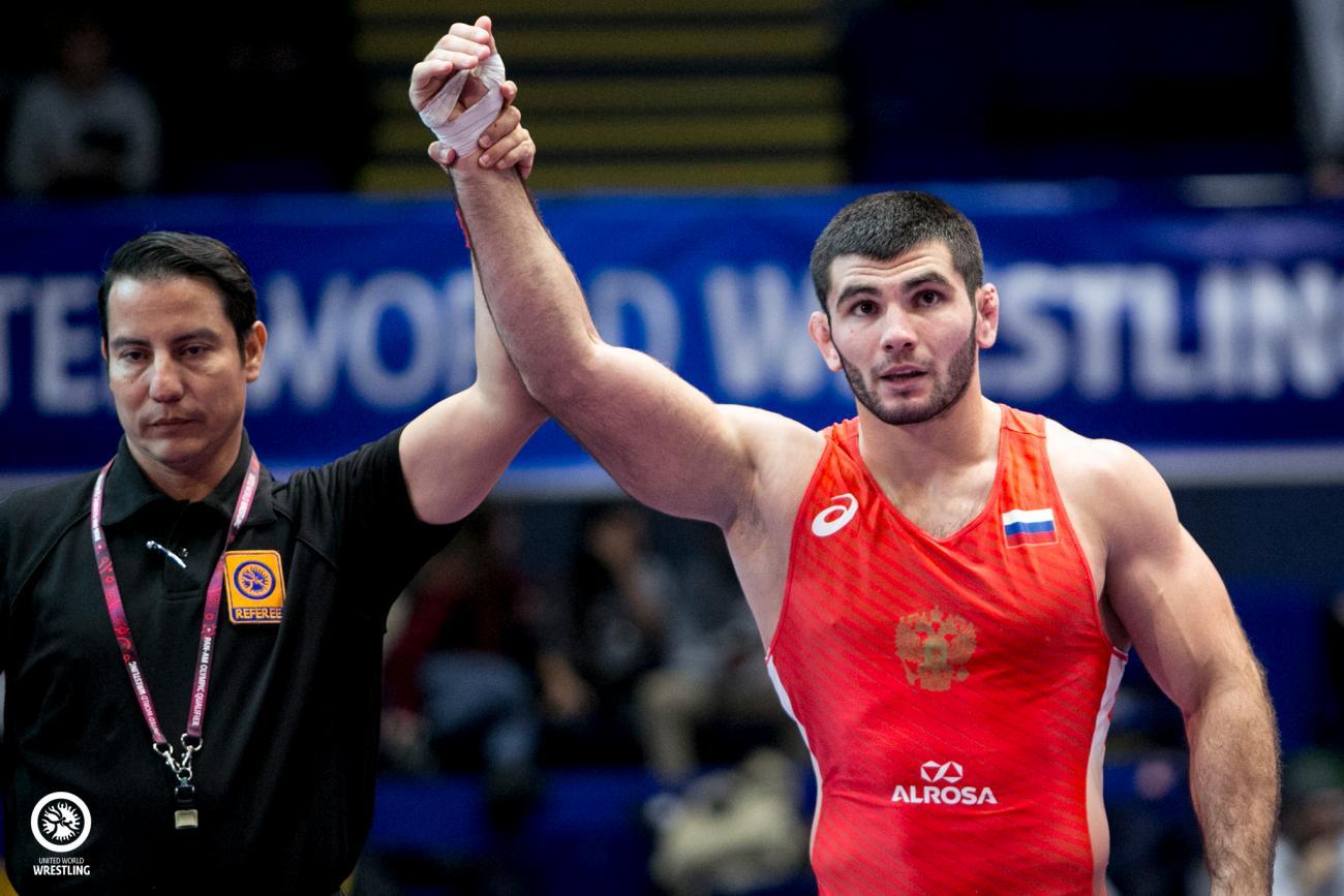 Борец Артур Найфонов вышел в полуфинал Олимпийских игр в Токио