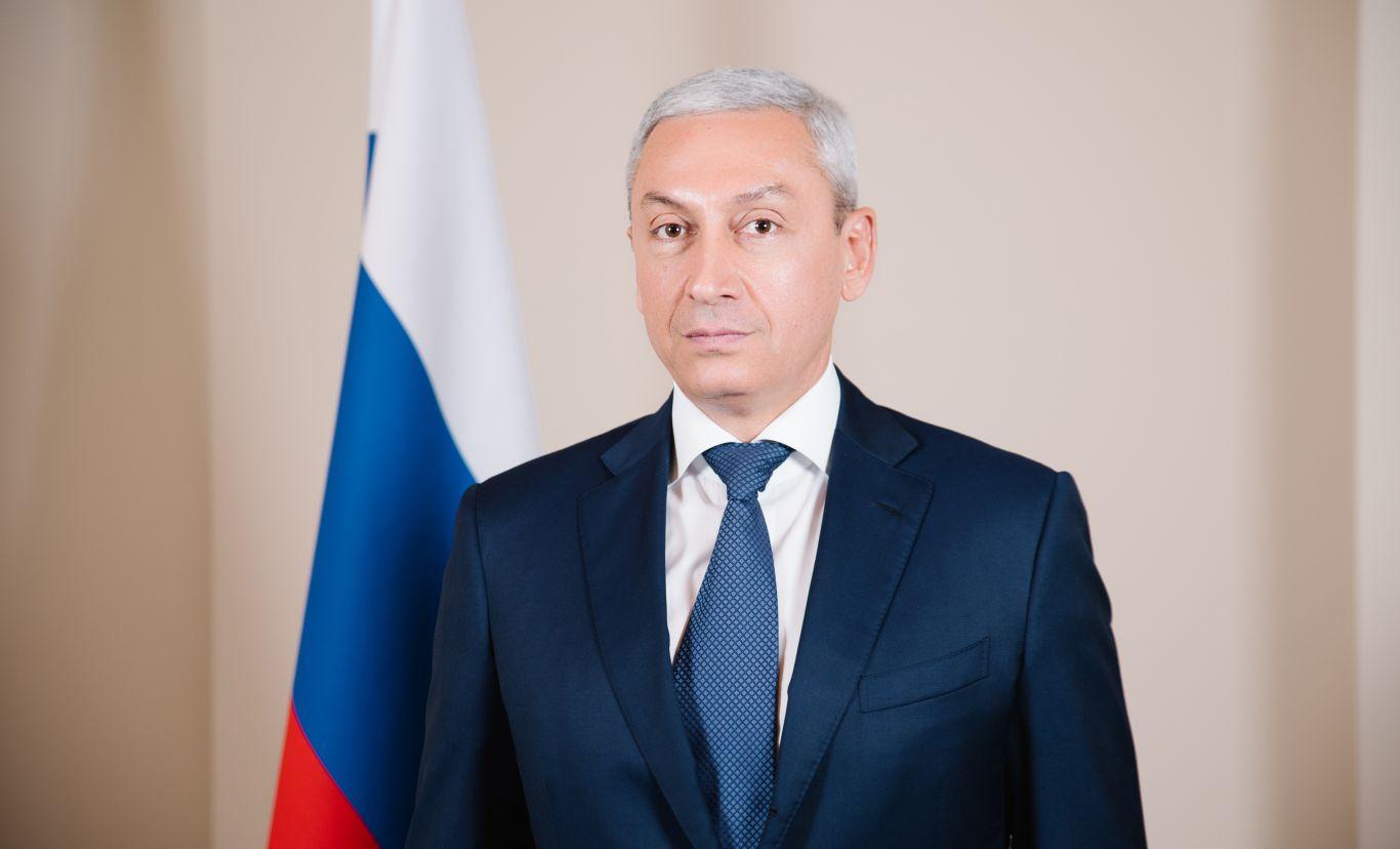 Полпред Борис Джанаев поздравил земляков с Днем Государственного флага