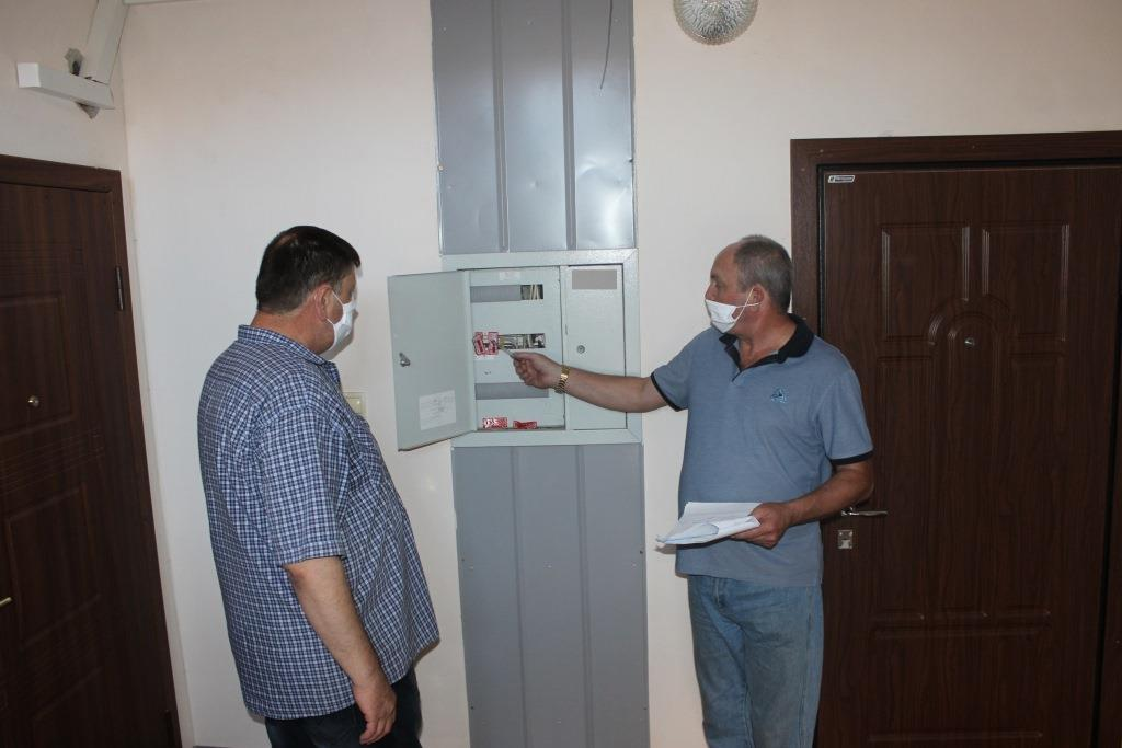 Во Владикавказе в квартирах без лицевых счетов повторно отключили свет