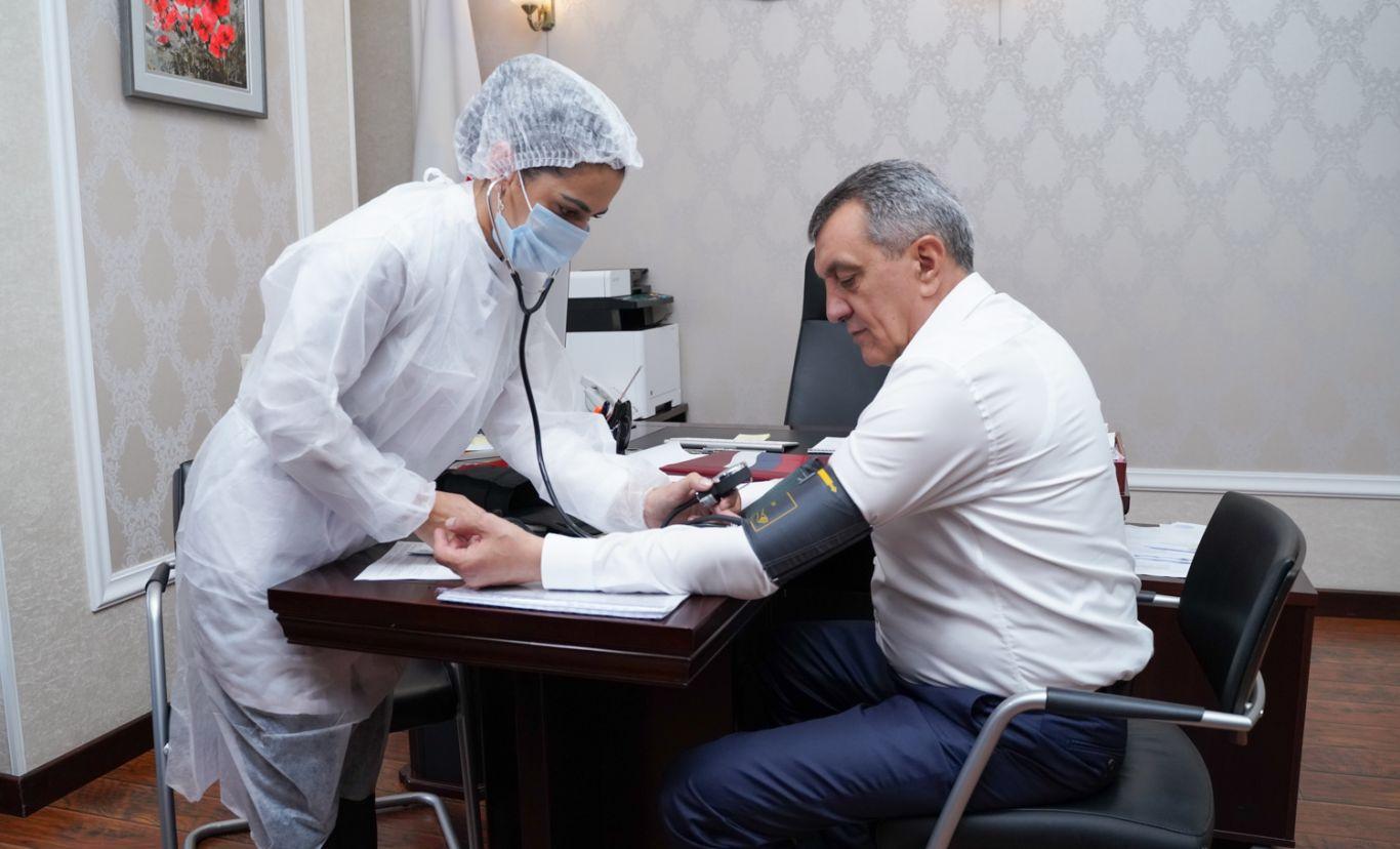 Сергей Меняйло привился от коронавируса